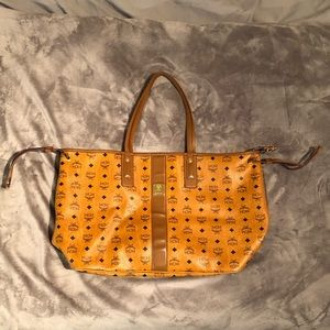 MCM Reversible Large Visetos Tote Bag in Cognac